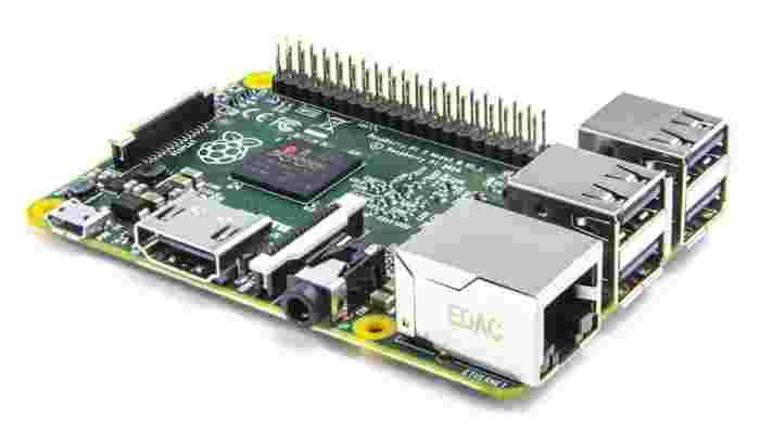 Mini PC-ul Raspberry Pi 2 s-a lansat! Mai puternic, la același preț ca predecesorul său